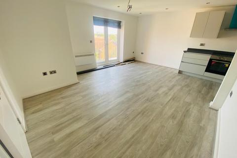 2 bedroom flat to rent - Falling Lane,  West Drayton, UB7