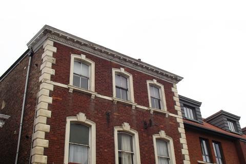1 bedroom flat to rent - Walmgate, York YO1