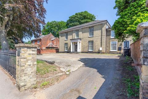 7 bedroom detached house for sale - Gillham House, Fakenham