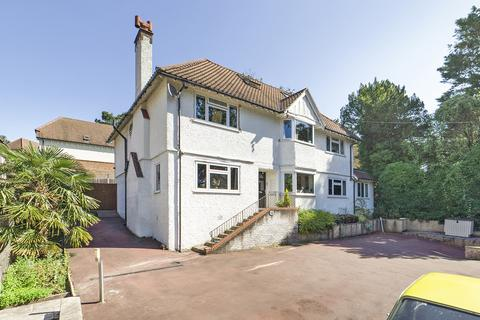 6 bedroom detached house for sale - Briton Hill Road, South Croydon