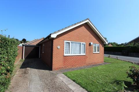 2 bedroom detached bungalow for sale - Playstool Road, Newington, Sittingbourne