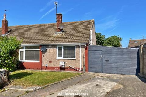 2 bedroom detached bungalow for sale - Howell Drive, Rhyl