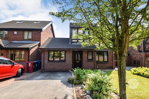 3 bedroom detached house for sale - Chatsworth Close, Blackburn, BB1