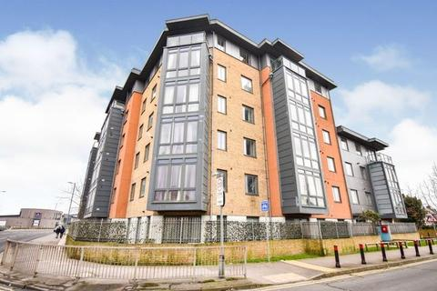 2 bedroom penthouse to rent - Lynmouth Avenue, Chelmsford, CM2