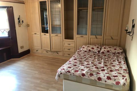 2 bedroom flat to rent - Long Lane UB10