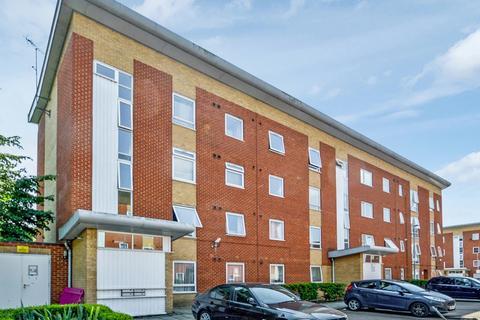 2 bedroom flat for sale - Albatross Close, Beckton E6