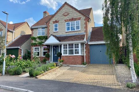 4 bedroom detached house for sale - Marden Way, Calne