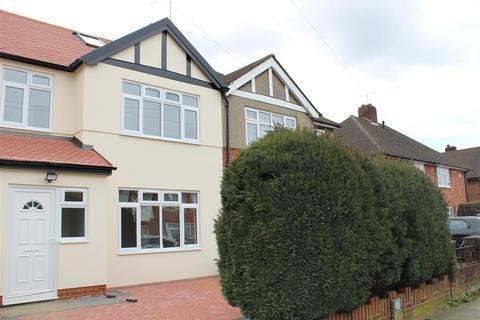 4 bedroom semi-detached house to rent - Long Drive, Ruislip