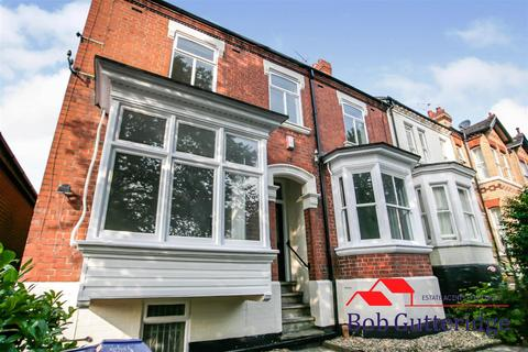 4 bedroom townhouse for sale - Bradwell Lane, Porthill, Newcastle