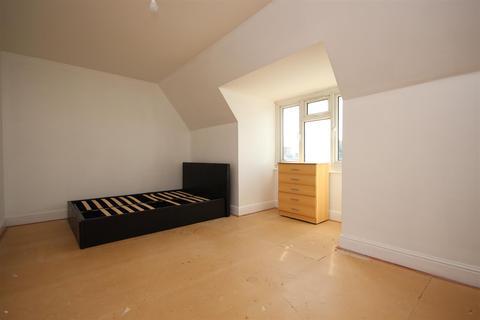 2 bedroom flat to rent - Westway, East Acton, W12 0PT