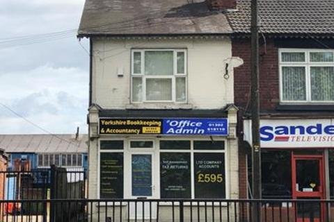 Property to rent - 67 Balby Road, Doncaster