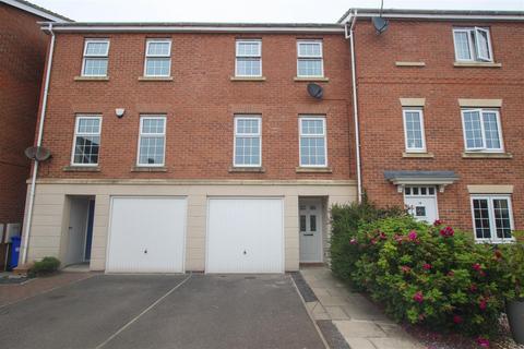 3 bedroom terraced house for sale - St. Georges Croft, Bridlington