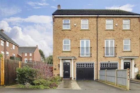 3 bedroom townhouse to rent - Langdon Close, Nottingham