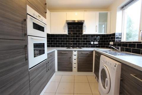 2 bedroom apartment to rent - Dorchester Court, Marlbrough Drive