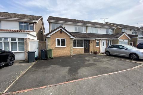 3 bedroom semi-detached house to rent - Broadway Avenue, Halesowen, West Midlands, B63