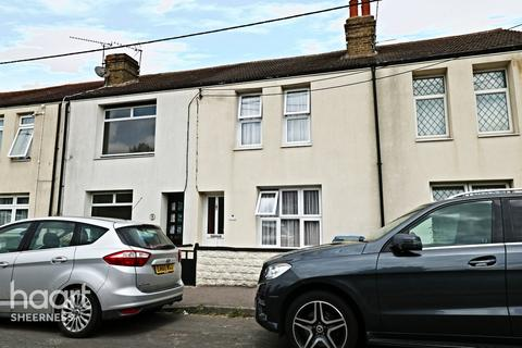 3 bedroom terraced house for sale - Second Avenue, Queenborough