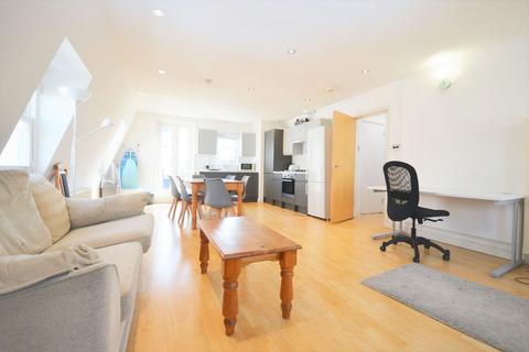 3 bedroom flat to rent - Frampton Street, Edgware Road NW8 8NA