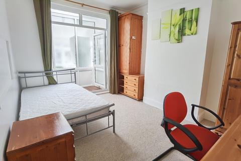 5 bedroom terraced house to rent - Fernhurst Road, Southsea