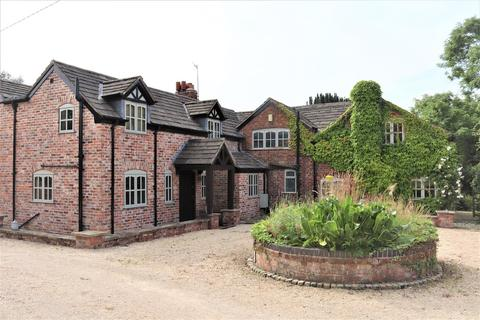 4 bedroom farm house for sale - Wood Lane, Mobberley