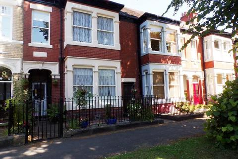 4 bedroom detached house for sale - Marlborough Avenue, HULL, HU5 3JT