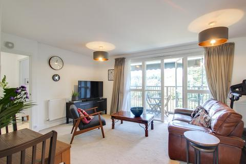 3 bedroom flat for sale - Adenmore Road, Catford, London, SE6