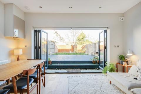 3 bedroom terraced house for sale - Sidney Road, Bowes Park, N22