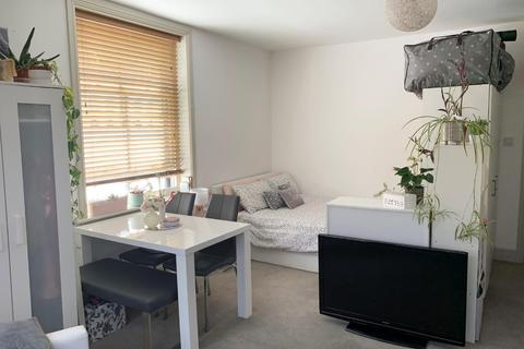 Studio to rent - Lansdowne Road, Hove