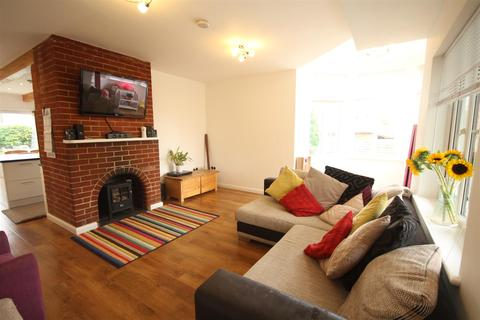 4 bedroom detached bungalow to rent - Muddles Green, Chiddingly, BN8