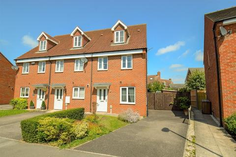 3 bedroom end of terrace house for sale - Kingscroft Drive, Welton, Brough