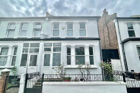 4 bedroom semi-detached house for sale - Lyndhurst Road, London, N22