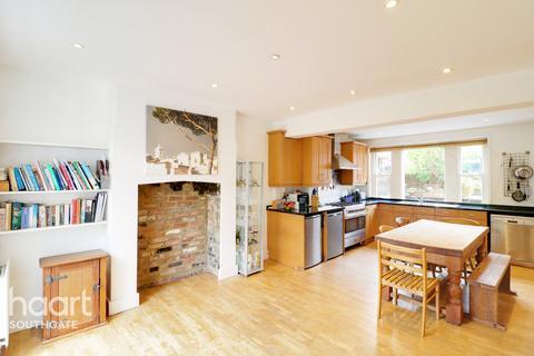 4 bedroom townhouse for sale - Salisbury Road, Barnet