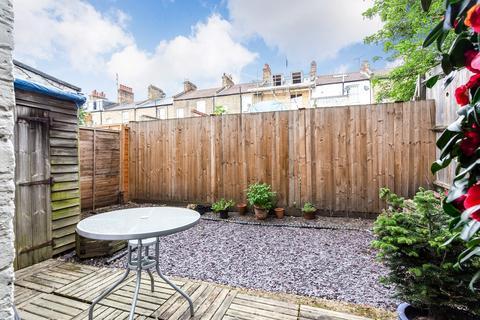2 bedroom ground floor flat for sale - Sandmere Road, Clapham North, SW4