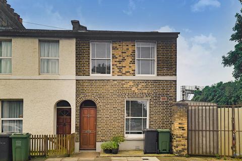 3 bedroom end of terrace house for sale - Amersham Grove, New Cross SE14