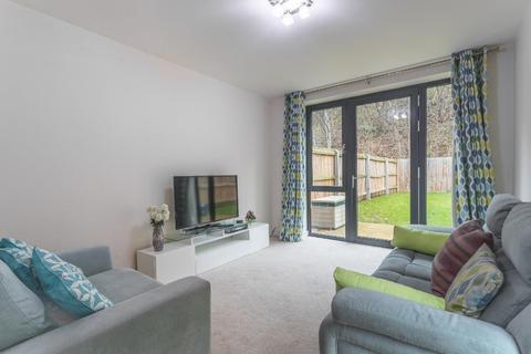 3 bedroom semi-detached house to rent - Castle Croft Drive, Sheffield, S2