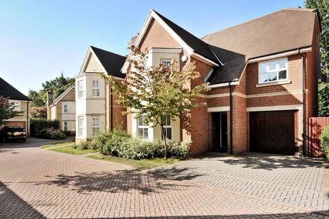 5 bedroom detached house to rent - Pinehurst, London Road, Englefield Green, Egham, TW20