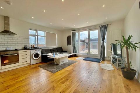2 bedroom flat to rent - High Street, High Barnet EN5
