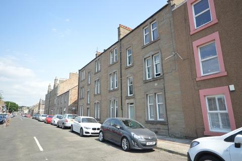 2 bedroom flat to rent - Church Street, Broughty Ferry, Dundee, DD5