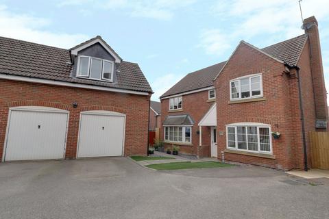 5 bedroom detached house for sale - Cony Walk, Northampton