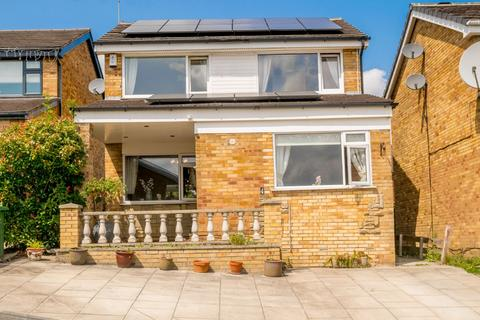 3 bedroom detached house for sale - Harwill Approach, Morley, Leeds