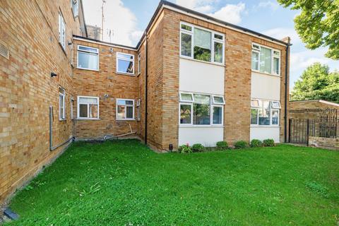 2 bedroom flat for sale - Elms Court, Elms Road, Clapham, SW4