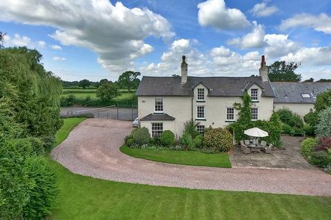 6 bedroom detached house for sale - Mollington, Chester