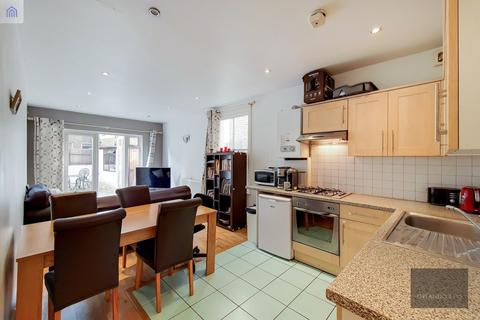 2 bedroom apartment to rent - Townmead Road, Fulham