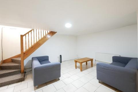 2 bedroom maisonette to rent - Wilton Way, London Fields, E8