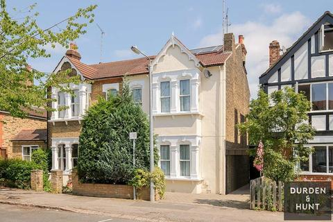 5 bedroom semi-detached house for sale - Lower Park Road, Loughton