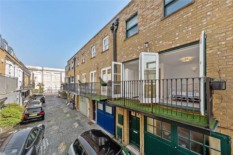 4 bedroom mews to rent - Walham Yard, London, SW6