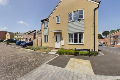 5 bedroom detached house to rent - Newent Road, Cheltenham, Gloucestershire