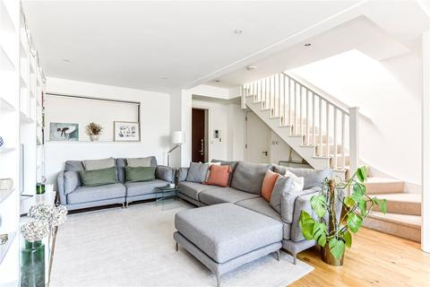 2 bedroom apartment to rent - King's Cross Road, London, WC1X