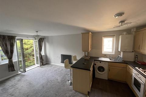 2 bedroom flat to rent - Capstan Drive, Rainham