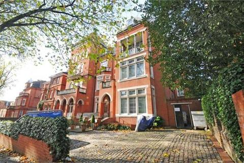 2 bedroom flat to rent - Fitzjohns Avenue, Hampstead, NW3