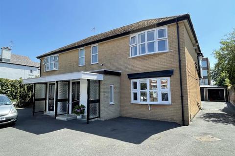 2 bedroom flat for sale - Henry Street, Lytham
